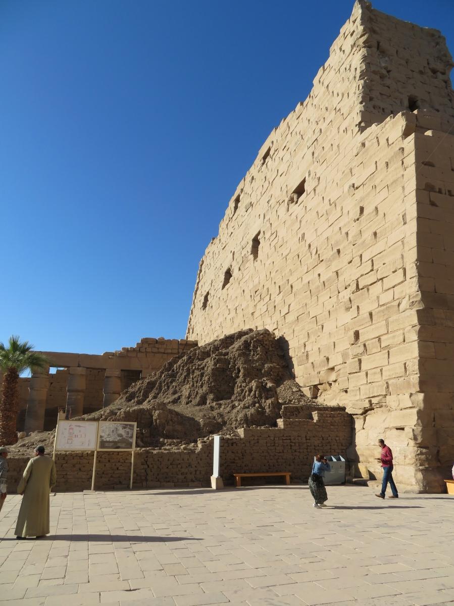 Open Court, Karnak